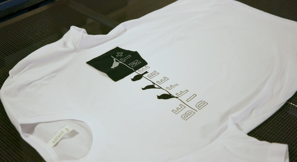 0002d6c0 Printing over a zipper is another easy way to give your apparel a  high-quality feel. A simple way to achieve this expensive look without  affecting the print ...